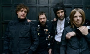 Balancing guitar distortion with all-together-now vibes … Kasabian.