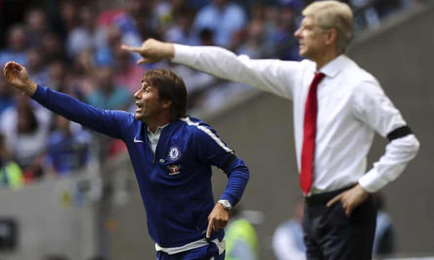 Chelsea's manager Antonio Conte, left, ditched his suit and provided an echo of the recent past when he lined up alongside Arsène Wenger for the Community Shield game against Arsenal.