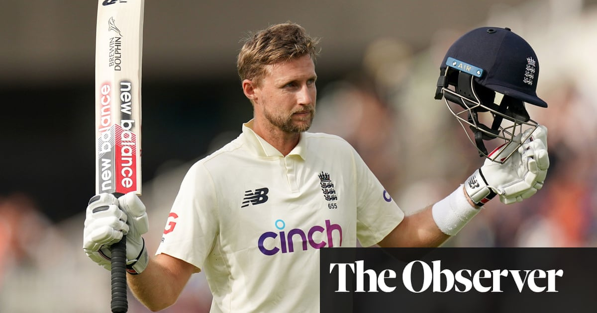 Fine Root century gives England hope as India chase 209 for victory