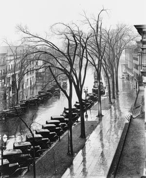 Walker Evans<br>Saratoga Springs, New York, 1931
