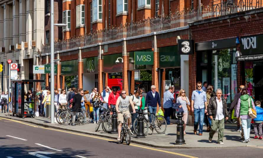 Shoppers on the King's Road in London
