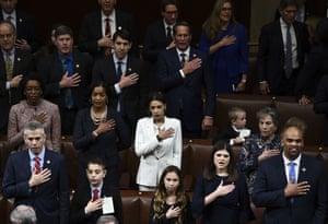 Members of Congress take the oath.