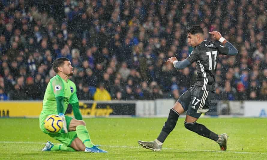Ayoze Pérez slots the ball past Brighton's Matt Ryan for Leicester's opening goal.