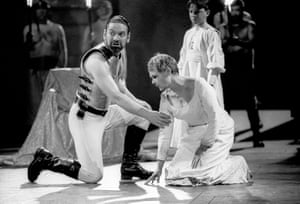 Kenneth Branagh as Coriolanus and Judi Dench as his mother, Volumnia, at Chichester Festival theatre in 1992.