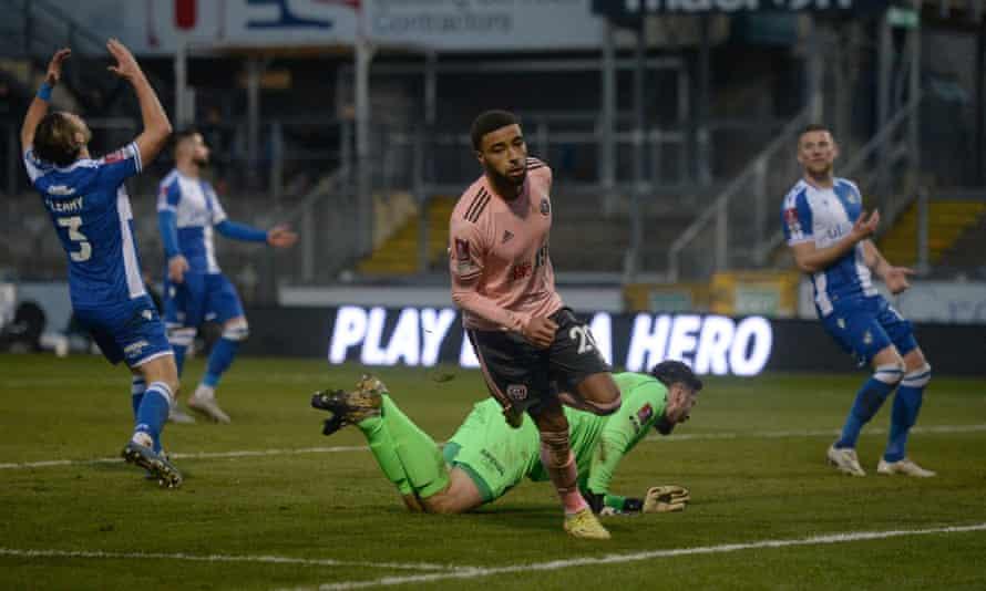 Jayden Bogle celebrates after putting Sheffield United 3-2 ahead