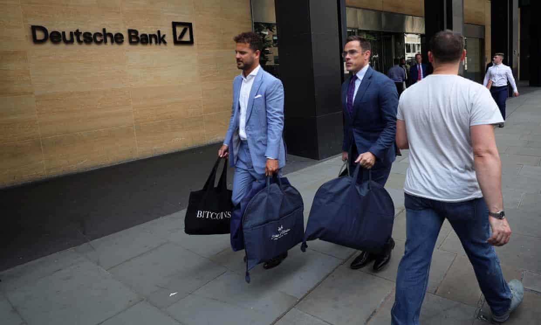 Deitsche Bank starts cutting jobs