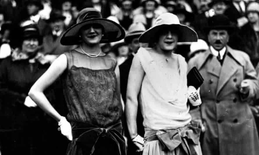 Two flapper girls, circa 1925
