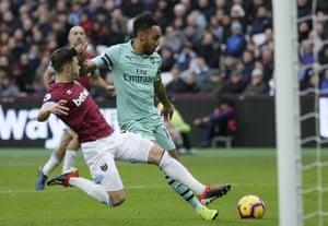 Arsenal's Pierre-Emerick Aubameyang goes close.