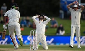 England captain Joe Root and Stuart Broad react as Ish Sodhi survives a delivery from Mark Wood.