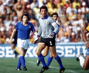 Zoff shouts to his defenders agter blocking the shot from Cerezo.