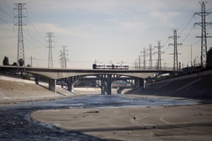 A train crosses the Los Angeles river