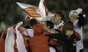 River players celebrate at the Estadio Antonio Vespucio Liberti.