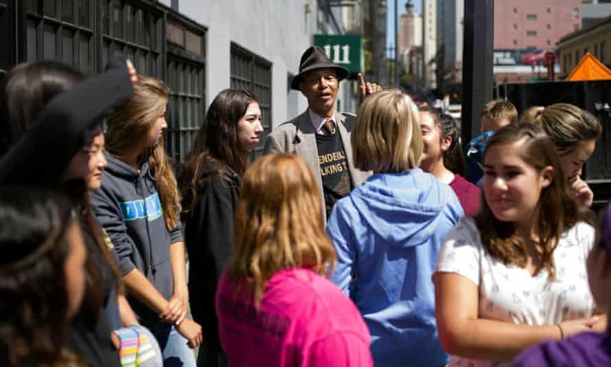 Del Seymour leads a Tenderloin Walking Tour