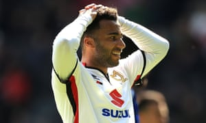 Nicky Maynard of MK Dons shows his frustration during the 4-1 defeat to Brentford