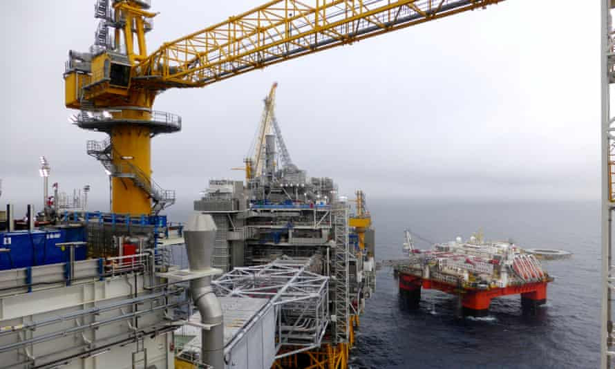 An Equinor oil platform in the North Sea. The Norwegian company is planning exploratory drilling in the Great Australian Bight in 2020, but a new report warns of the risks of developing an oil industry in the area.