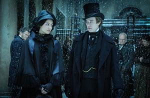 Amelia Havisham (Tuppence Middleton) with Arthur Havisham (Joseph Quinn)