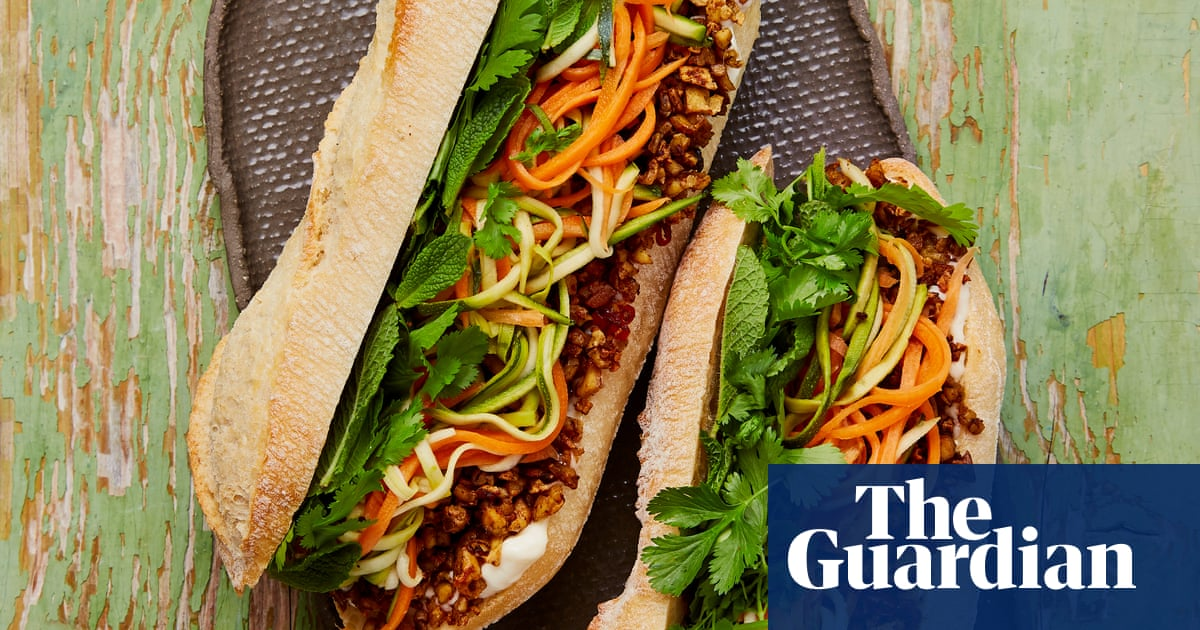 Meera Sodhas Vegan Recipe For Tofu Banh Mi The New Vegan