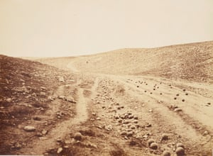 Fenton's photograph Valley of the Shadow of Death, 23 April 1855.