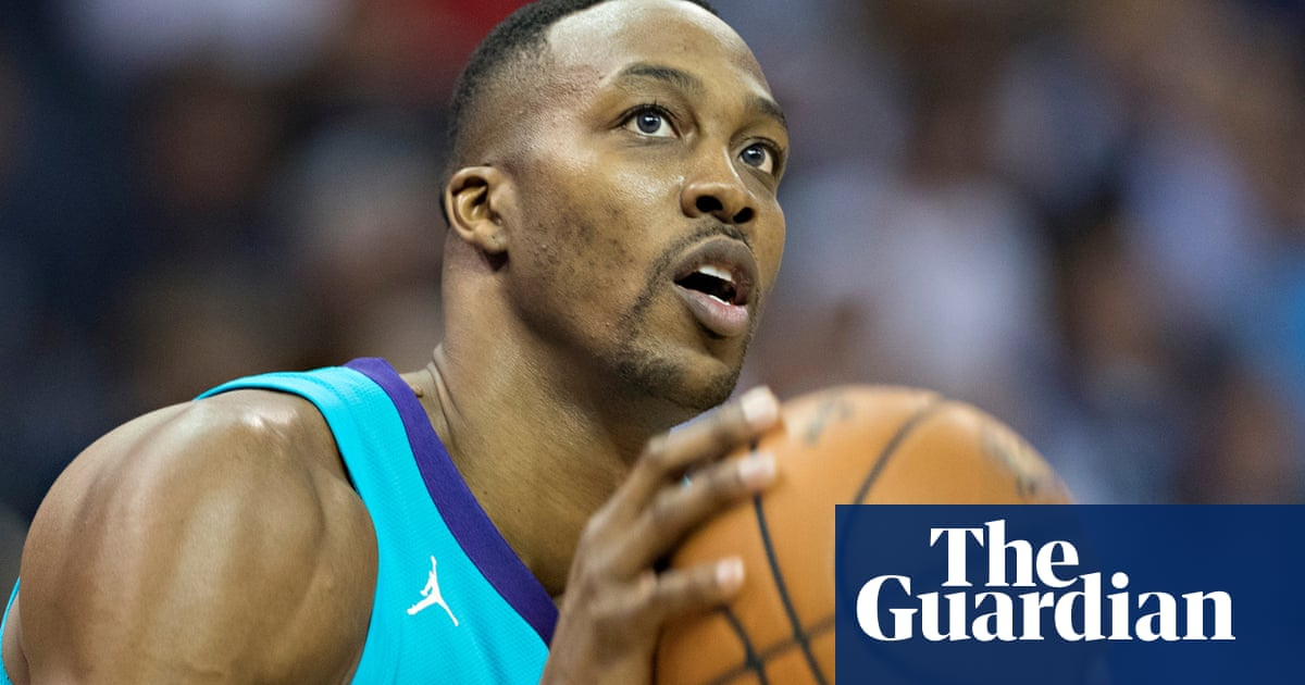 LA Lakers may tab Dwight Howard to replace fallen DeMarcus Cousins