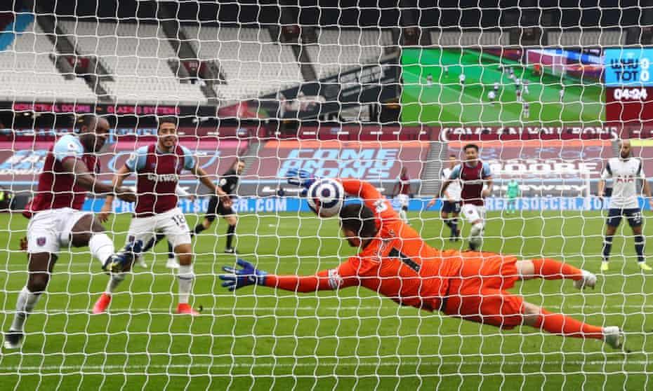 Antonio scores from close range against Spurs last weekend.
