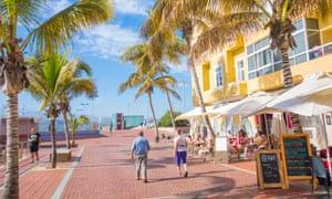Restaurants overlooking Las Canteras beach, Gran Canaria
