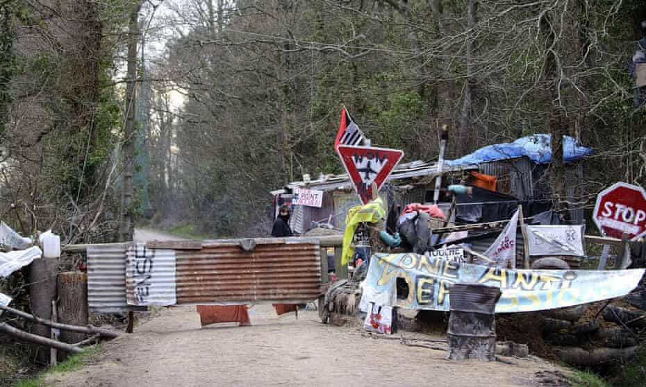 A makeshift checkpoint at one entrance to the ZAD site.