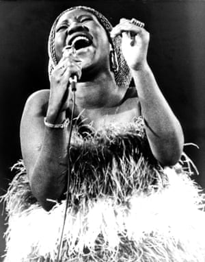 Aretha Franklin in concert in 1971.