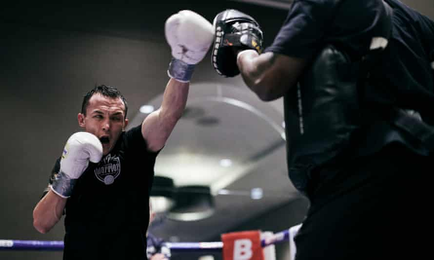 Josh Warrington takes part in a workout earlier this week.