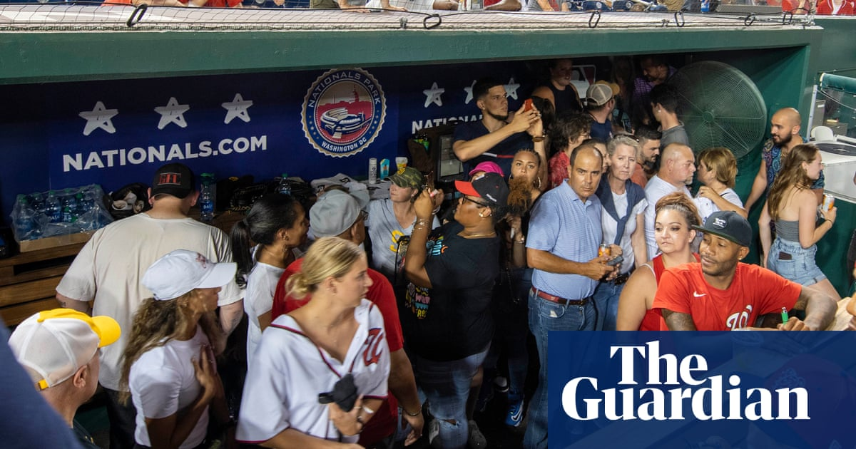 Padres-Nationals MLB game suspended after shooting outside stadium