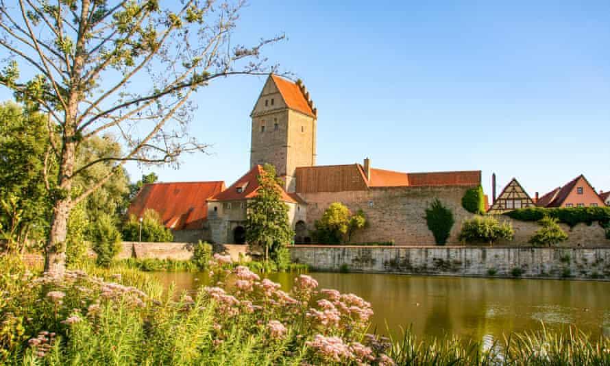 la ville médiévale de Dinkelsbuhl sur la route romantique
