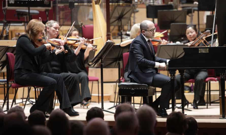 Mahan Esfahani with the RLPO at Liverpool Philharmonic Hall.