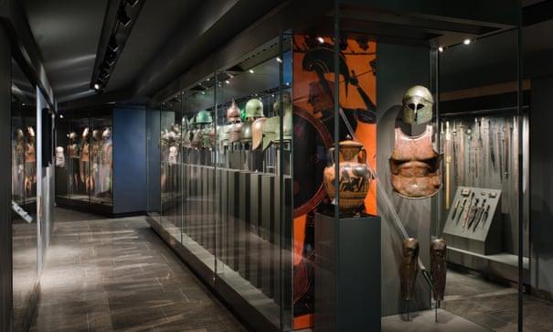 British man returns ancient warrior helmets to Spain