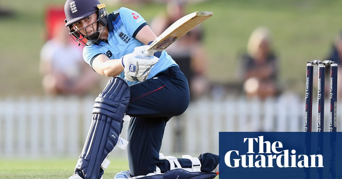Tammy Beaumont and Heather Knight ease England to  ODI win in New Zealand