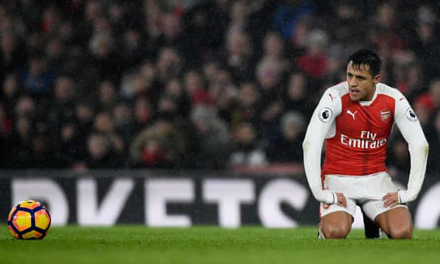 Arsenal's Alexis Sánchez feels the pain of Arsenal's defeat to Watford on Tuesday that leaves them nine points behind Saturday's opponents, Chelsea.