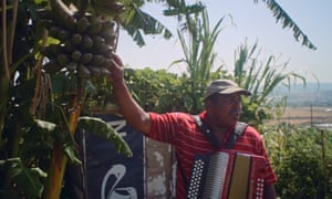 A man with an accordion in the Lisbon suburbs