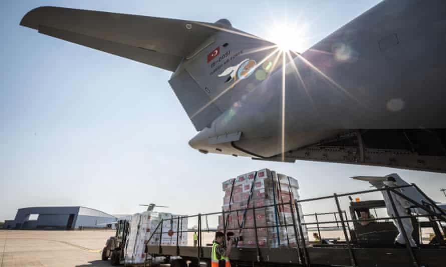 Unloading plane