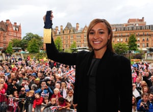 Sheffield held a celebration event in the Peace Gardens, where Ennis showed off her gold medal