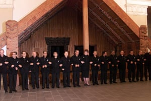 <strong>New Zealand 1999:</strong> APEC leaders in front of a Maori meeting house in black yachting jackets.