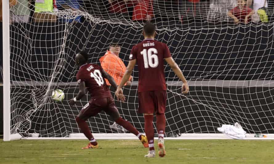 Sadio Mané's spot kick
