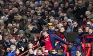 Wayne Rooney is taken off.