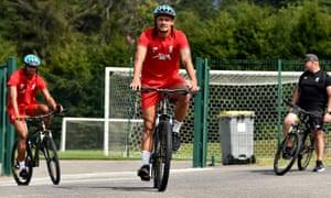 On ye bike, Dejan.