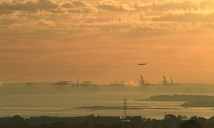 Smoke blankets Sydney after bushfire reduction burns were conducted in the Blue Mountains.