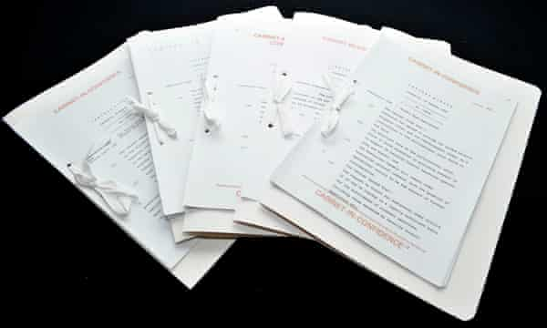 Cabinet papers from 1990-1991 have been released by the National Archives of Australia.