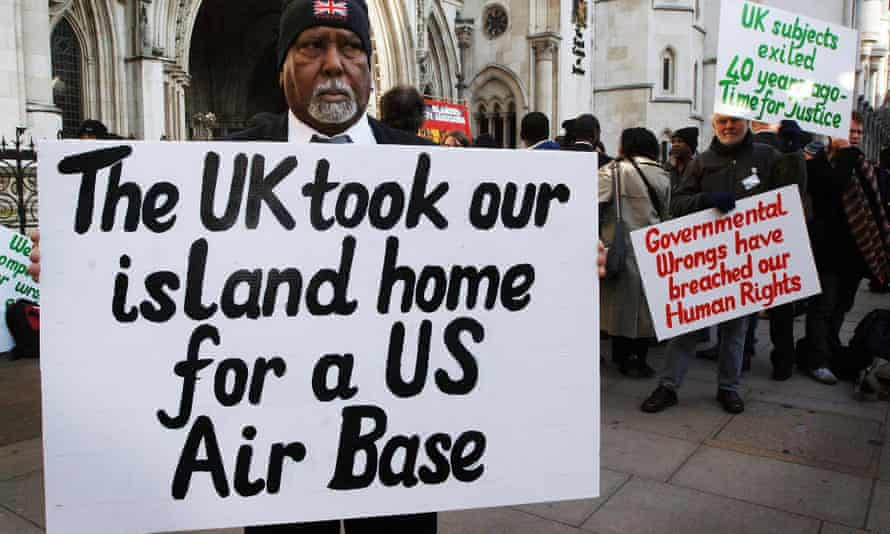 Chagos Islanders outside the high court in London in 2007.