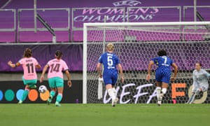 Alexia Putellas of FC Barcelona scores the penalty.