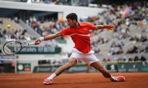Djokovic fights back to win the second set.