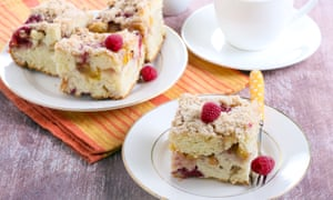 Nectarine and raspberry buckle