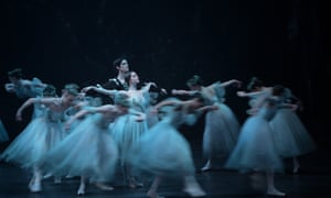 Laurretta Summerscales in the title role of Giselle, with Xander Parish as Albrecht.