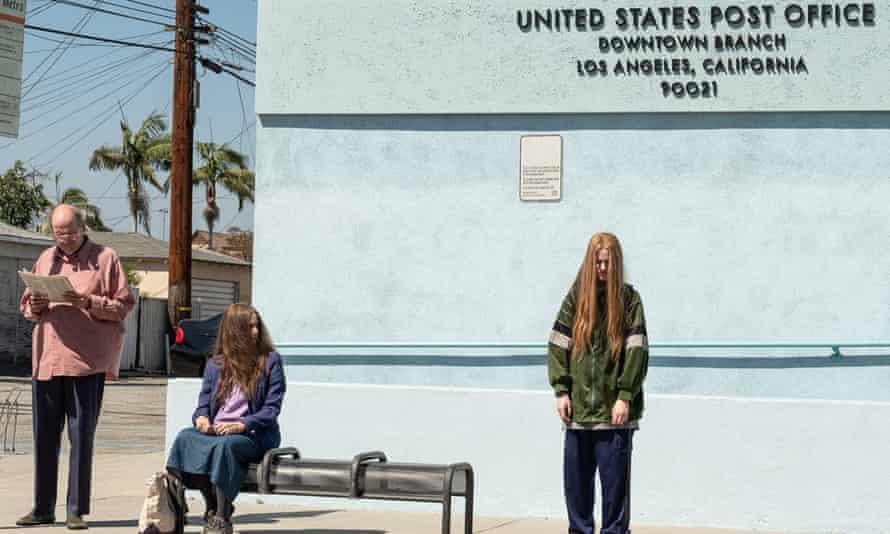 Richard Jenkins, Debra Winger and Evan Rachel Wood in in Kajillionaire.