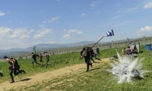 Teargas canister explodes Idomeni